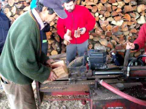 Picadora de le a de empresa le os del sur de valdivia for Maquina de astillar lena