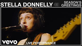 YouTube動画:Stella Donnelly - Season's Greetings - Live Performance | Vevo