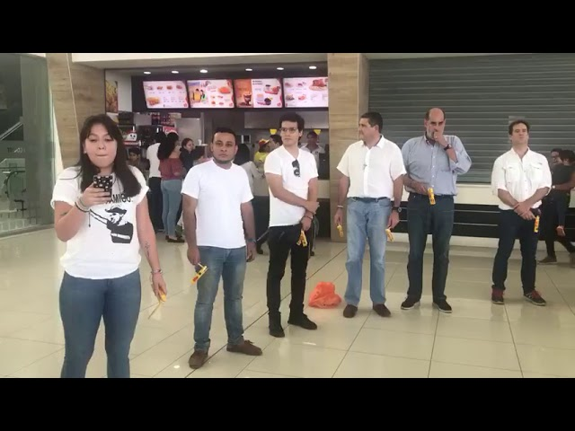 Protestan en Centros Comerciales