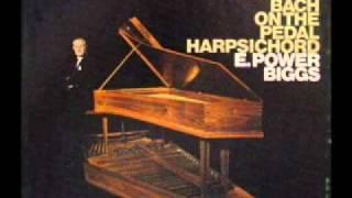 Bach - Prelude in D minor, BWV 539  (E. Power Biggs, pedal harpsichord)