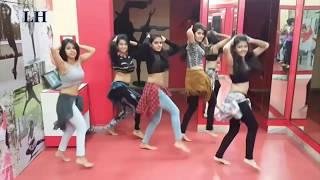 college Group Dance#Tu cheez badi hai mast mast full masti