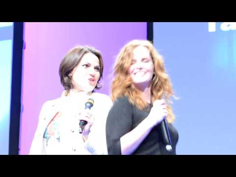 Closing Ceremony - The Happy Ending Convention - Lana Parrilla & Rebecca Mader