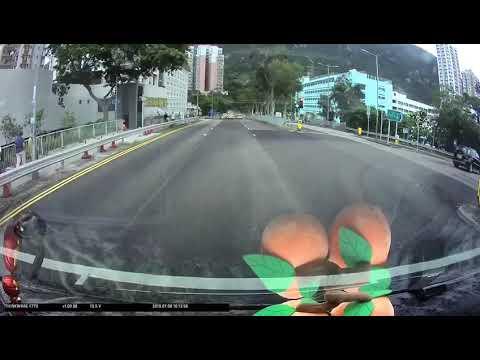 車CAM直擊 - 一分鐘內一個衝紅燈一個切線吾打燈 - YouTube