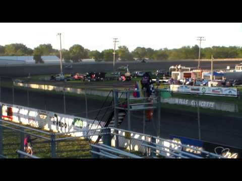 Stock Car Heat 1 @ Fairmont Raceway 08/05/16