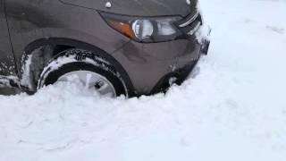 Video 2014  Honda CR-V EX in Snow download MP3, 3GP, MP4, WEBM, AVI, FLV Juli 2018