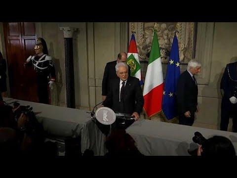 Populistas italianos apresentam