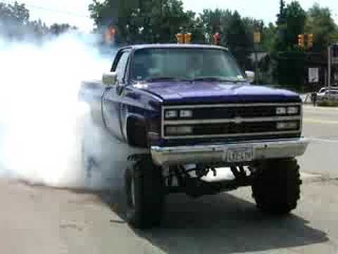 massive burnout in a big block chevy truck youtube. Black Bedroom Furniture Sets. Home Design Ideas