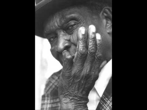 David Honeyboy Edwards- When I Came To Chicago