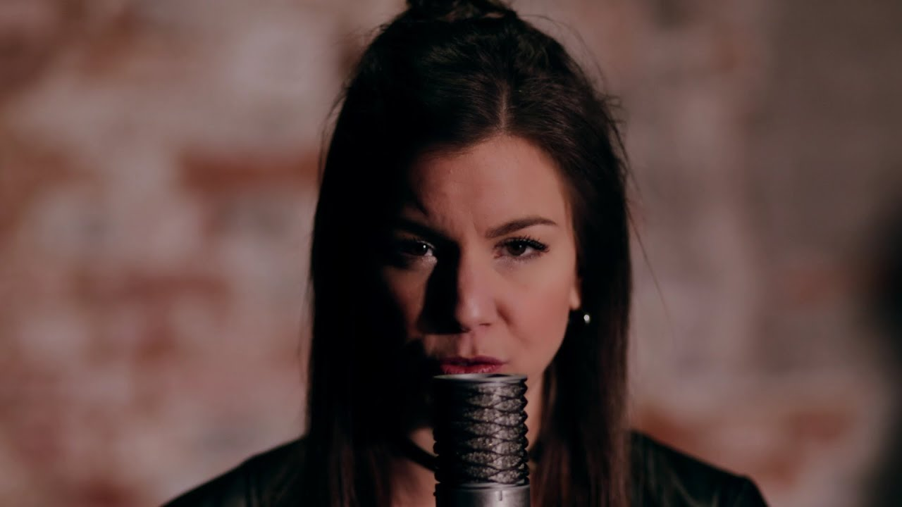 River (acoustic cover) – Sophie Becker