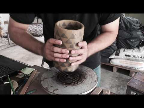 Inclay Studio Pottery : Throwing a vase on wheel from Color clays/Nerikomi Pattern.