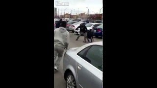 Shoppers fight over parking space