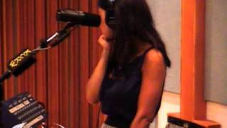 Marina and the Diamonds - Guilty (KCRW Acoustic Session 08/07/2010) 8