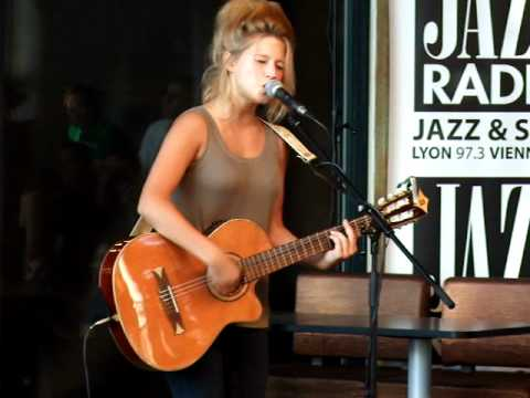 Selah Sue live acoustic Raggamuffin - Show case Docks 40 - Lyon - Jazz radio