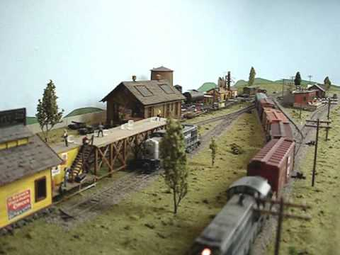 HO Scale Model Train Layout - Santa Fe in Texas