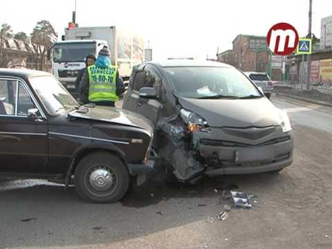 Авария на перекрестке Жердева-Дарханская