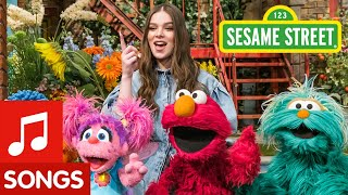 Sesame Street: Hailee Steinfeld sings I Wonder, What if, Let's Try!