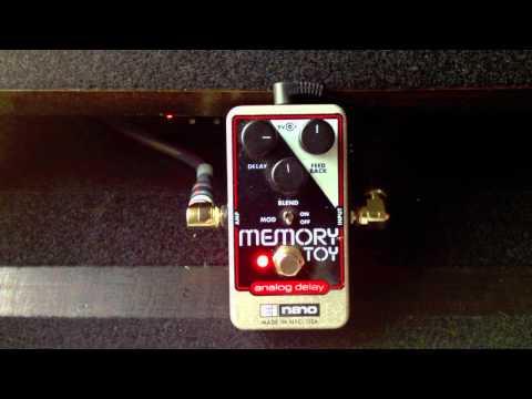 Bassicsgear Electro Harmonix Analog Delay Memory Toy Demo