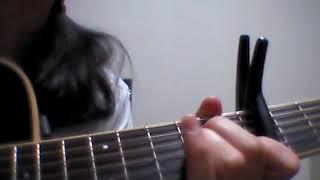 オリジナルのkeyから、カポ7つ分上げて歌っています。