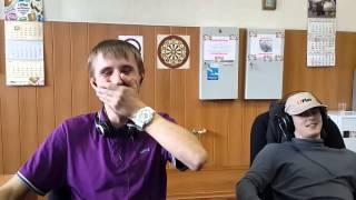 2 девушки 1 чашка реакция Андрея и Алексея