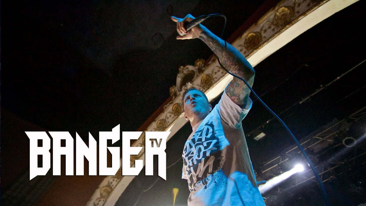 ATREYU's Alex Varkatzas on screaming vs singing episode thumbnail
