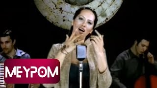 Aysun Yıldız - Göçmen Kızı (Official Video)