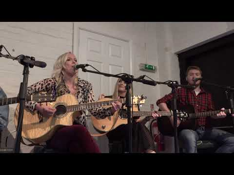 Emily Faye - Leaving Looks Good On You @ The Witch & Sow @ Write Like A Girl 09-11-2019-4k