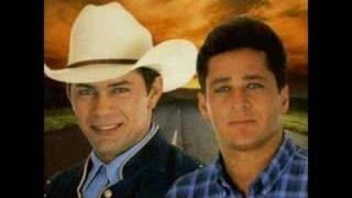 LEANDRO & LEONARDO TEMPORAL DE AMOR HOME PAGE 1998~2000!!! thumbnail