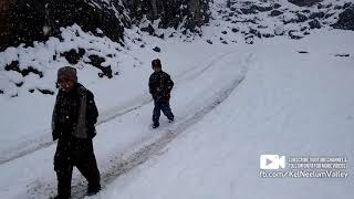 Kel Neelum Valley Azad Kashmir snowfall. Never missout this video...