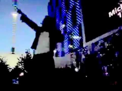 michael-jackson-navi-performs-thriller
