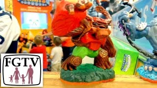 (1 of 3) Hunt For Official Skylanders Champion 2013 - Regional Heats