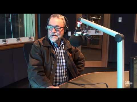 Singer writer John Williamson joins Denis Walter