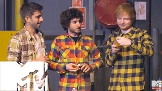 Ed Sheeran & David Hasselhoff Jam And Eat Haggis Quesadilla Backstage At Ema's | Mtv Uk