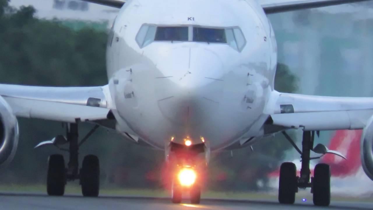 Kebaikan Pesawat Terbang Sriwijaya Air (Video Pesawat ...