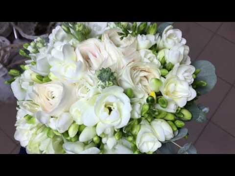 Свадебный букет невесты из фрезии