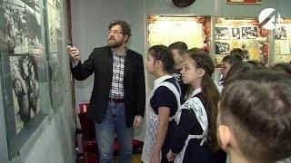 К 75-летию Победы для школьников Трусовского района организовали экскурсию в музей боевой славы