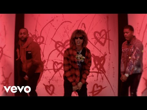 Jon Z, Myke Towers & Eladio Carrion - Quedate Sola (Official Video)