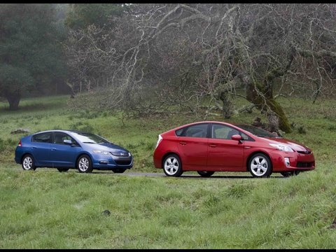 Hybrid Wars Toyota Prius Vs Honda Insight Part 1 Youtube