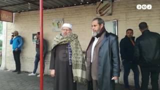 رصد | الأهالي و بعض المشائخ في انتظار جثمان الشيخ عمر عبد الرحمن