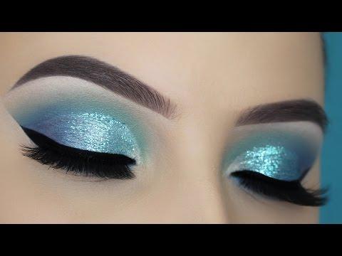 Blue Glitter Cut Crease Tutorial