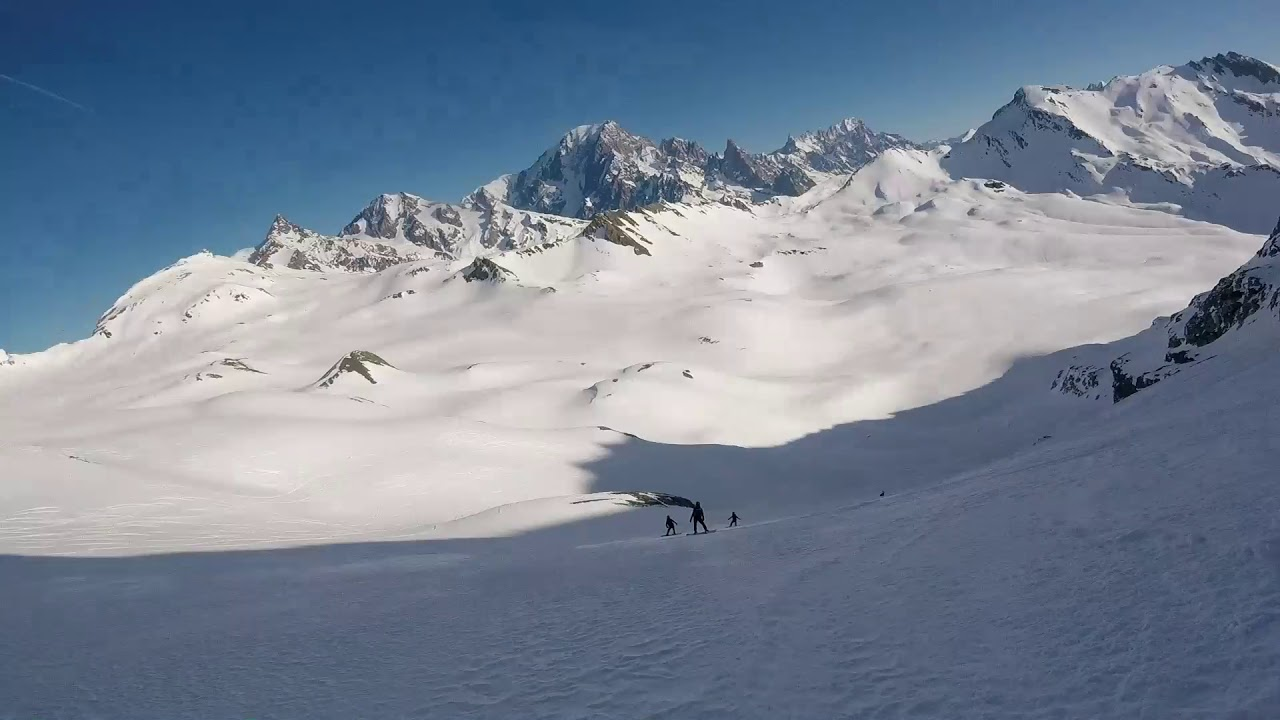 Three drop heliskiing day with Val Heliski in Italy