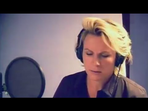 Jennifer Saunders recording Holding Out for a Hero - Shrek 2