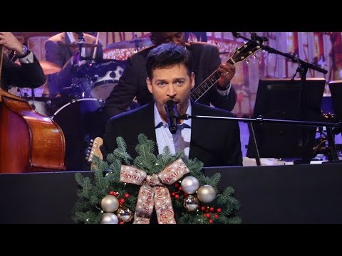 """TUESDAY! Harry Sings """"O Holy Night,"""" Danny Seo's Giveaway & More!"""