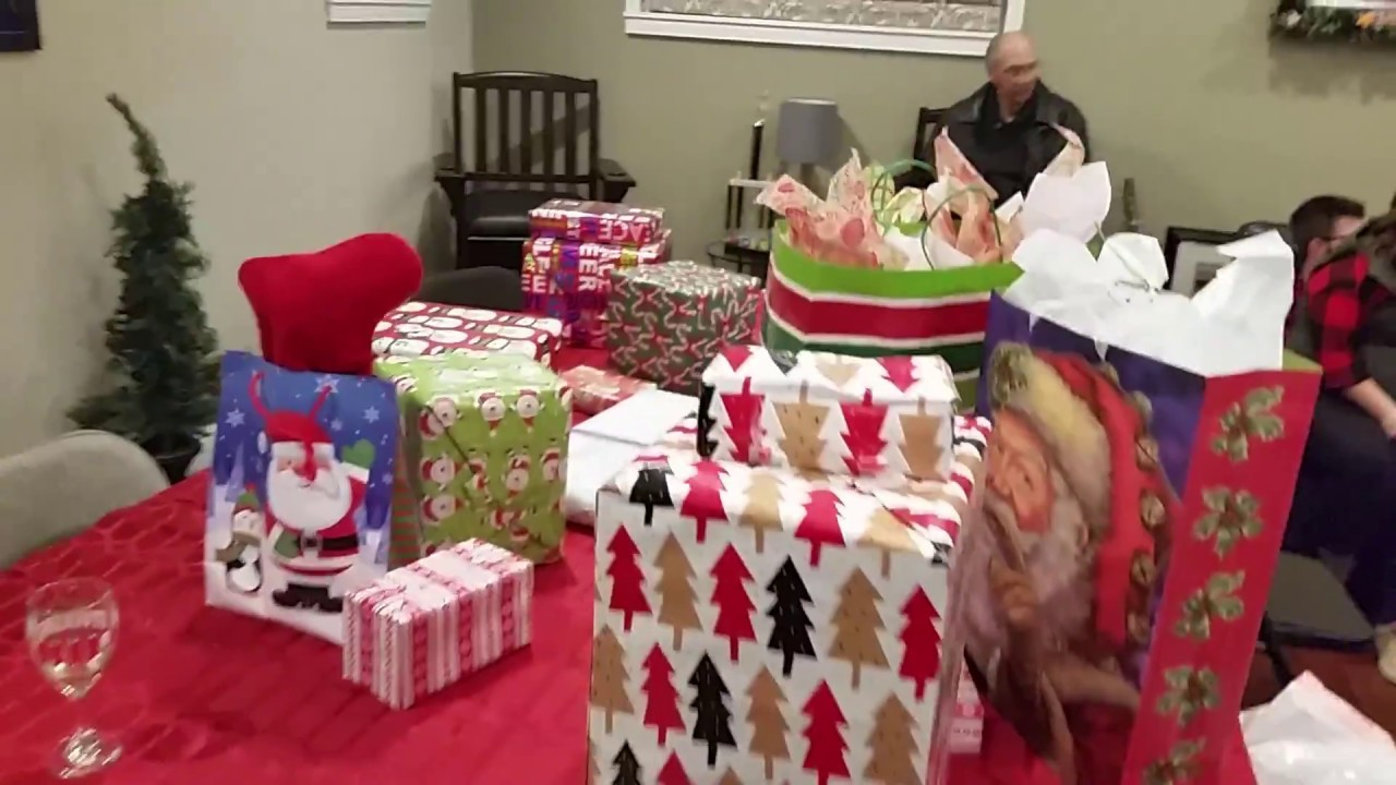 Christmas Gift Exchange.Christmas Gift Exchange Game