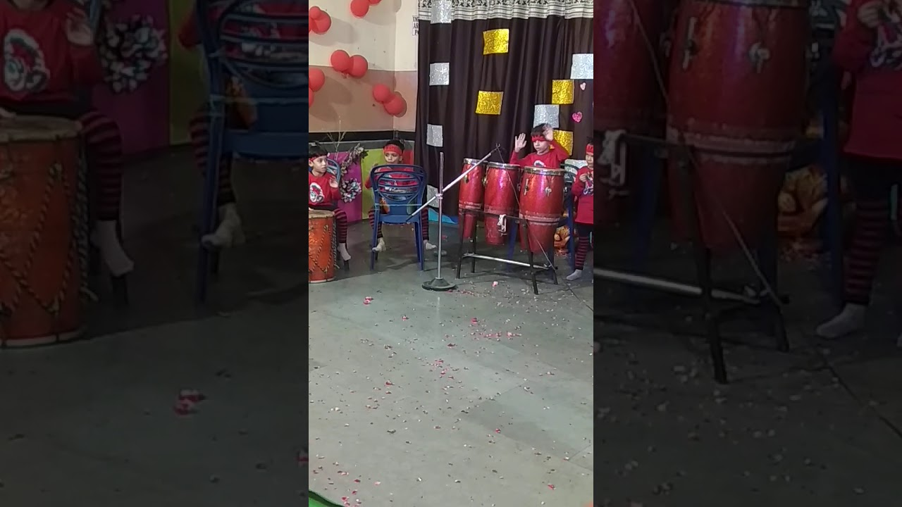 orchestra pre school student dandiya or chokri bahot accha bajaya
