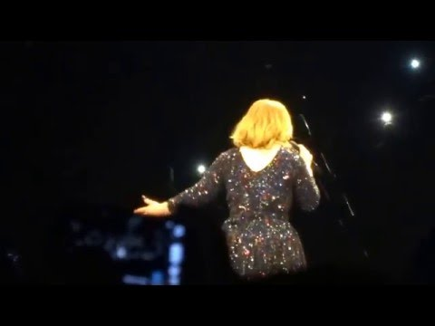 "Adele - ""Hello"" in der Mercedes Benz Arena in Berlin 07.05.16"