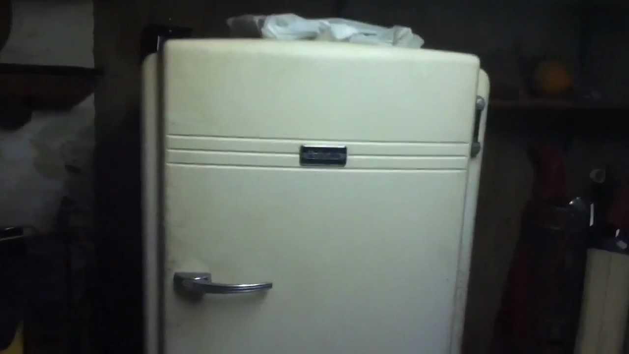 1940s Hotpoint Refrigerator Still Running In My Grandpas Basement