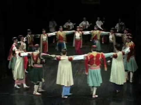 CRNOGORSKI ansambl KUD Njegos - Crnogorski oro CETINJE folklor
