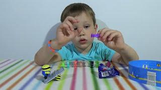 Миньон Киндер Макси игрушка из яйца Стикизы распаковка Kinder Maxi Minions, stikeez blind bags