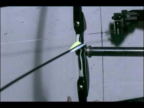 Testing the GrizzlyStik Qarbon Nano Longbow - 2 http://www.AlaskaBowhunting.com