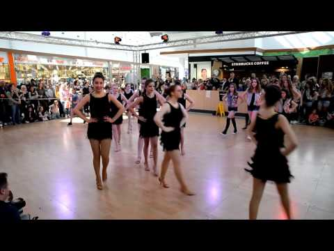 Tanzarena in der Waterfront   Gruppen von Michele Cantanna ohne Ton   Danke GEMA
